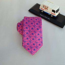 corbata fucsia estampada
